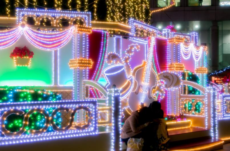 ドイツクリスマスマーケット大阪2017 新梅田シティのクリスマスツリー